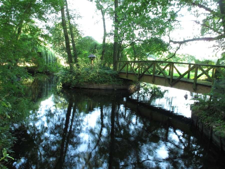 Brücke über Wasser