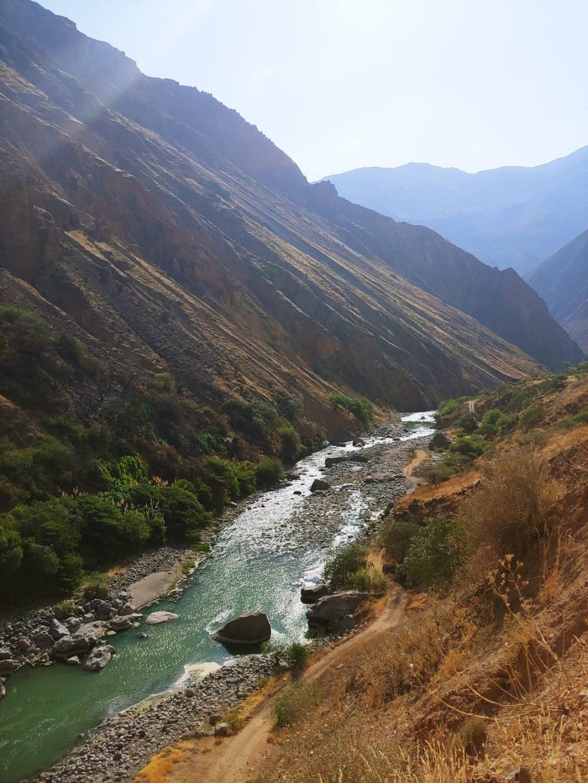 Bergfluss Peru